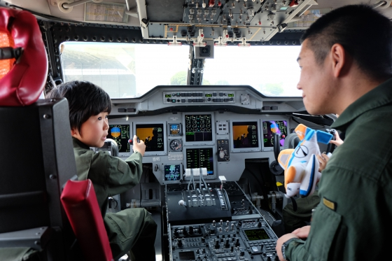 20140716-planes2_US-2