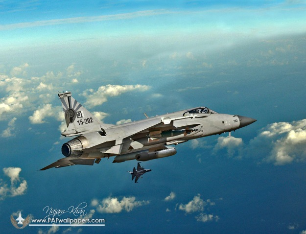 jf-17_thunder_block2_inflight_refuling_probe
