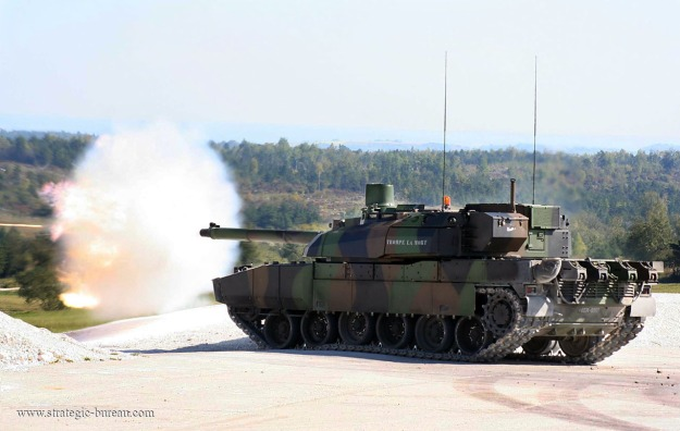 Leclerc_MBT_firing01