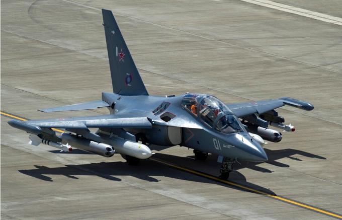 Yak-130_11