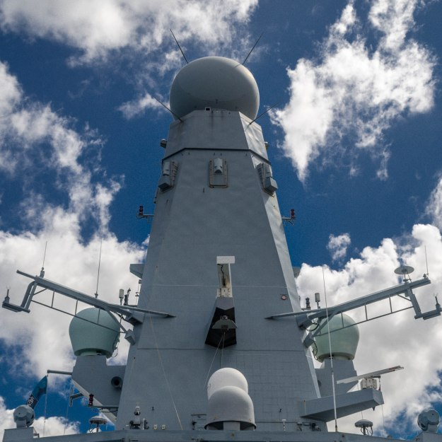 HMS_Daring_SAMPSON_is_a_multi-function_AESA_radar