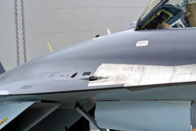 Su-35_GSh-301_cannon_LeBourget2013_2171
