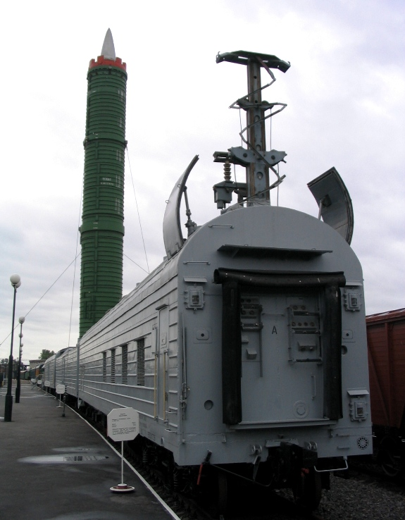 5109_russia_st._petersburg_railway_museum_on_the_warsaw_station-_rt-23_molodets_(ss-24_scalpel).jpg