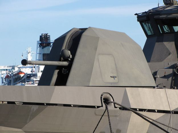 1024px-Missile_boat_Pori_bow_57_mm_gun