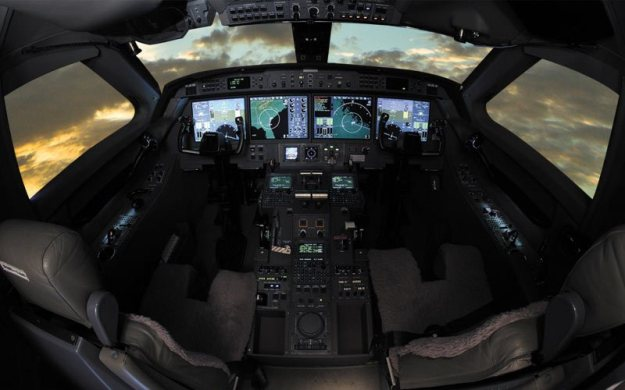 g550_cockpit01_800x500