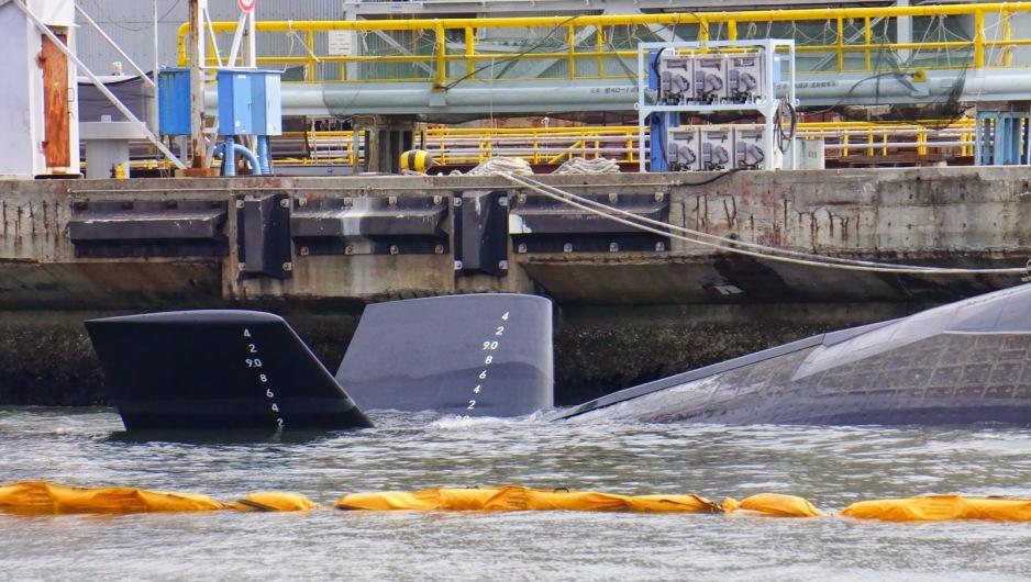 الصناعة العسكرية اليابانية,,,ماذا بعد؟! Js_souryu_class_ss_x-shape_of_the_tail_planes-kawasaki-hi-kobe-2013