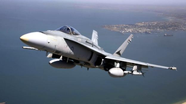 aircraft-planes_hdwallpaper_f-18-hornet_83825