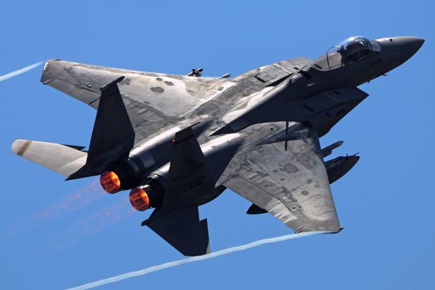 f15-fighter-jet-military-airplane-eagle-plane-98-wallpaper-1