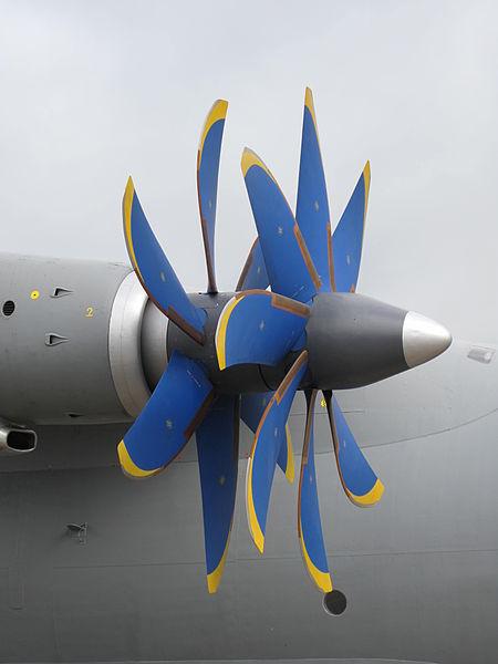 450px-Antonov_AN-70_at_Paris_Air_Show_2013_4