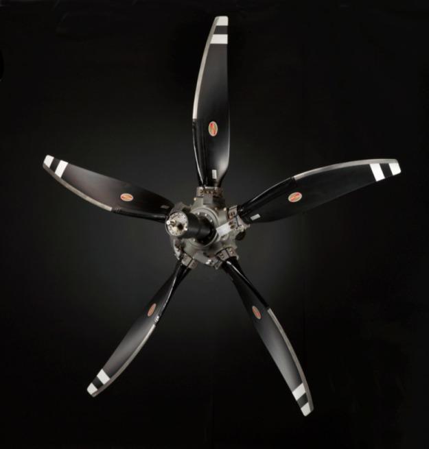 Hartzell-Propeller-5-blade-composite-turbine