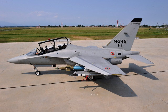 Leo Aermacchi M-346FT_low