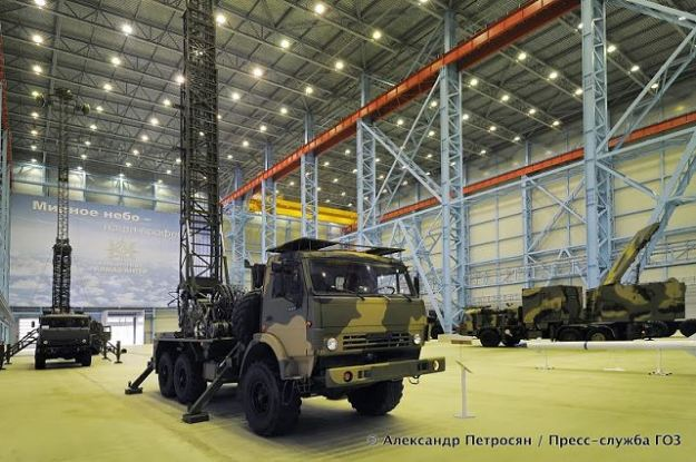 Vityaz_Hero_relay_station_medium_range_air_defense_missile_system_Almaz-Antey_Russia_Russian_defence_industry_640_001.jpg