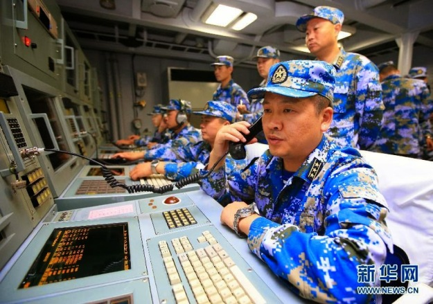 sailors-on-chinese-navy-ship-054a-sword-xuzhou-nanhai-practicing-antisubmarine-routines-1