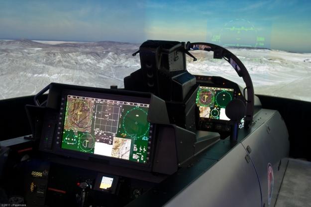 9d1e1-f-15-silent-eagle-cockpit-1