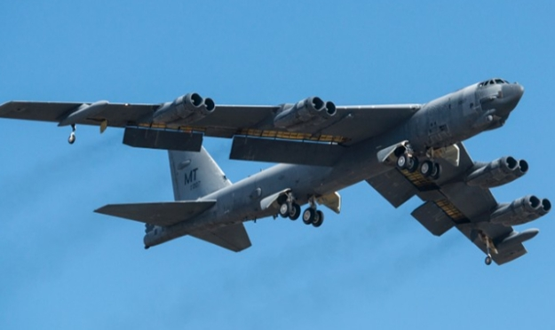 b52h-611007-returns-to-flight-02212015