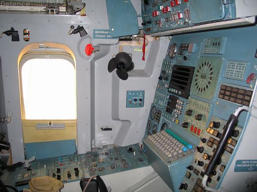 tu-160_cockpit_5