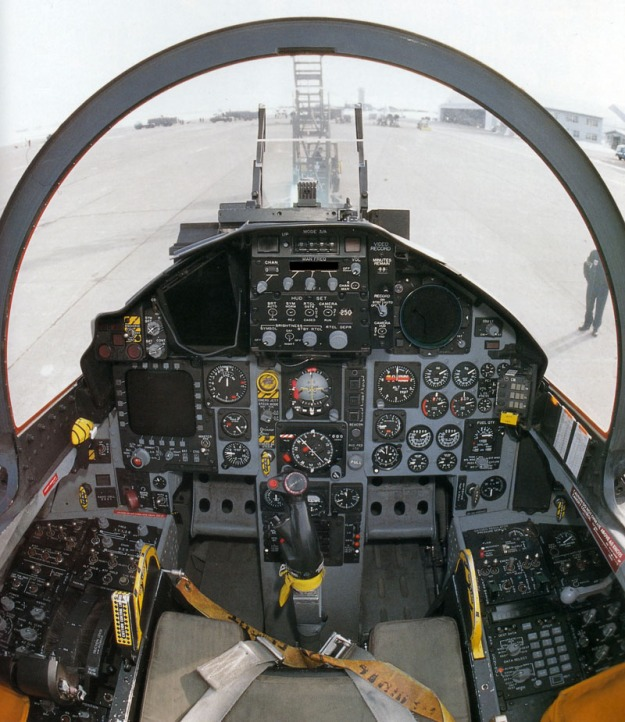 cockpit-f-15c