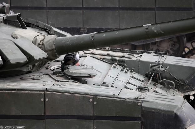 تعرف على النسخه الاحدث من دبابه T-73B3 التي عرضت في استعراض يوم النصر 2017 Alabino05042017-41-l