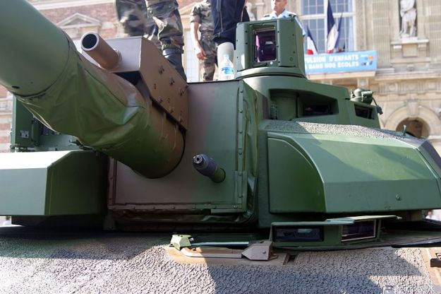 leclerc-turret_closeup_bastille_day_2006