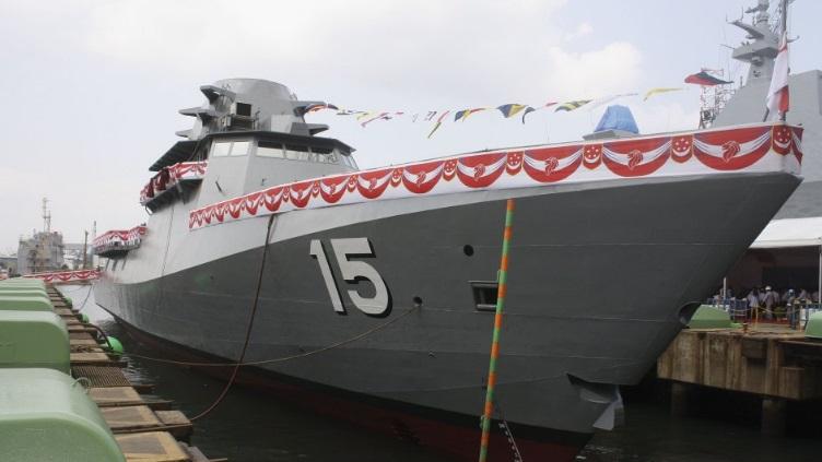 4 mm ou 5 mm Gouvernail postes Model Boat Twin Gouvernail Linkage Kit adapté à 3 mm