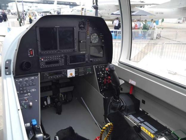 DART-450-cockpit-panel